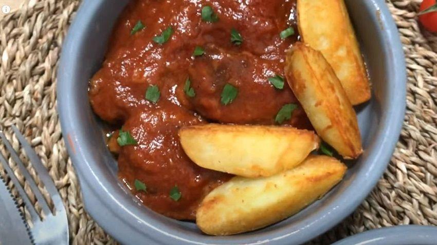 Carrilleras de cerdo en salsa de tomate