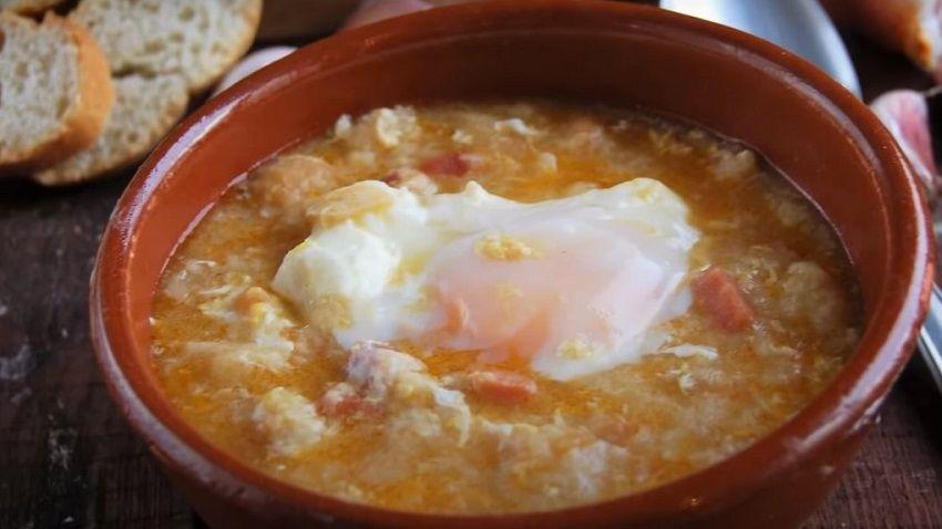 Receta de Sopa de Ajo o sopa castellana de España